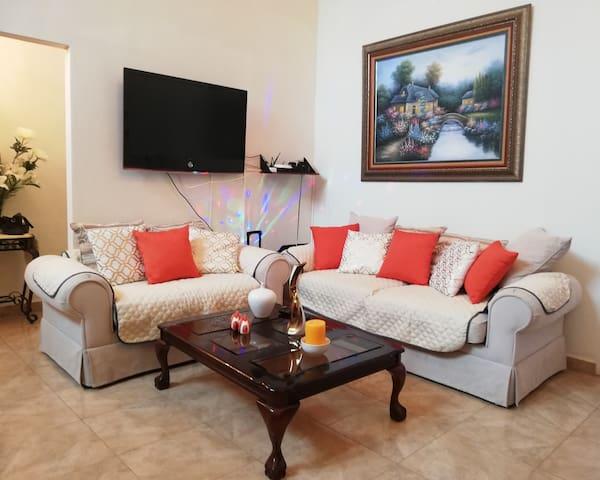 Casa de Timothy: Habitación con cama doble