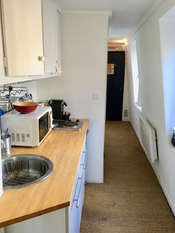 Beautiful studio next to Notre Dame Cathedral - Professional Cleaning