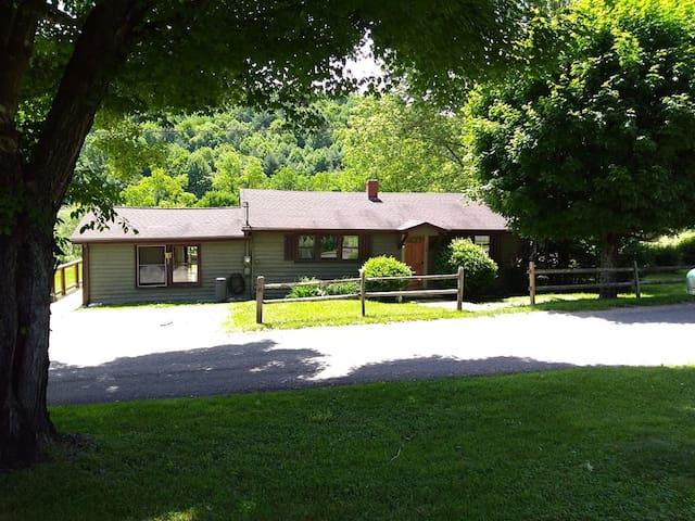 Cove Creek Cottage