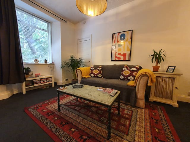 Cosy & Central 1 Bedroom Flat