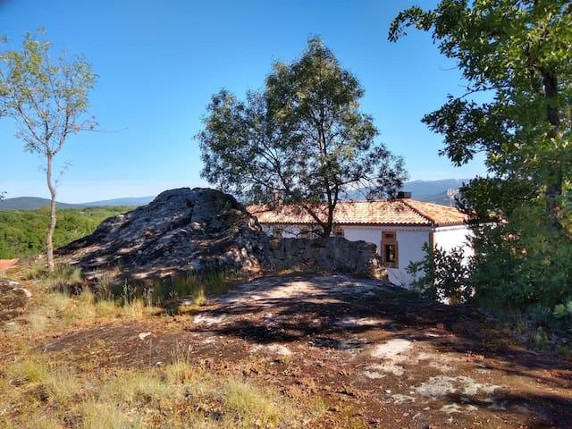 La casa desde la roca.