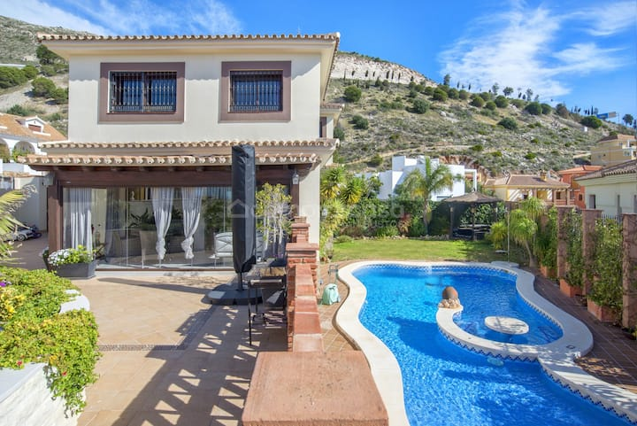 5 Bedroom Luxury Villa with pool in Costa del Sol