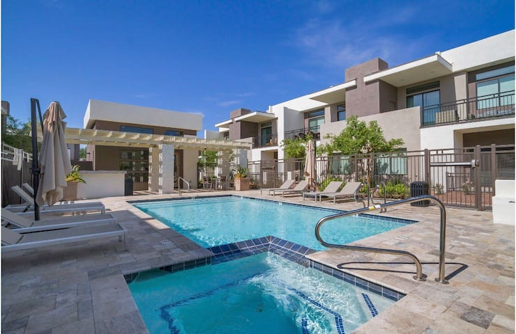 Phoenix Zen Luxury by Skyline Vacations- 11