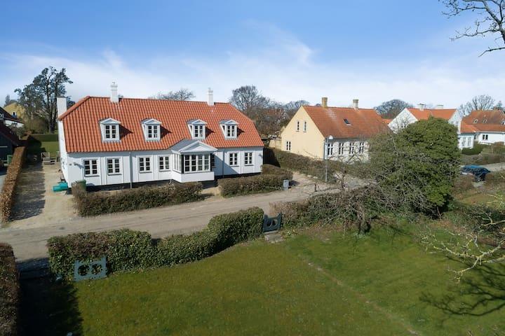 Luksus villa med egen strand i smukke Troense