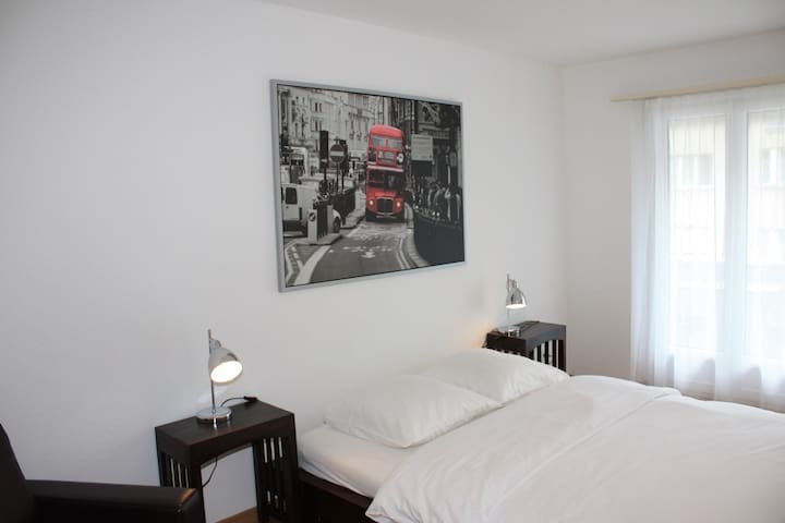 2BD flat near Bellevue (Holbein 4) - Zürich - Appartement