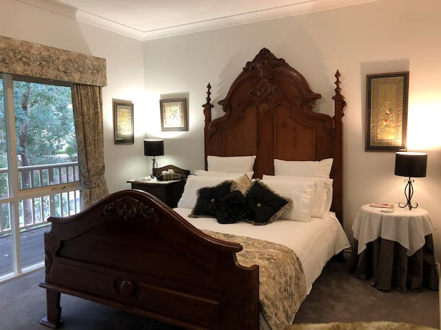 Park Orchards Bed & Breakfast
