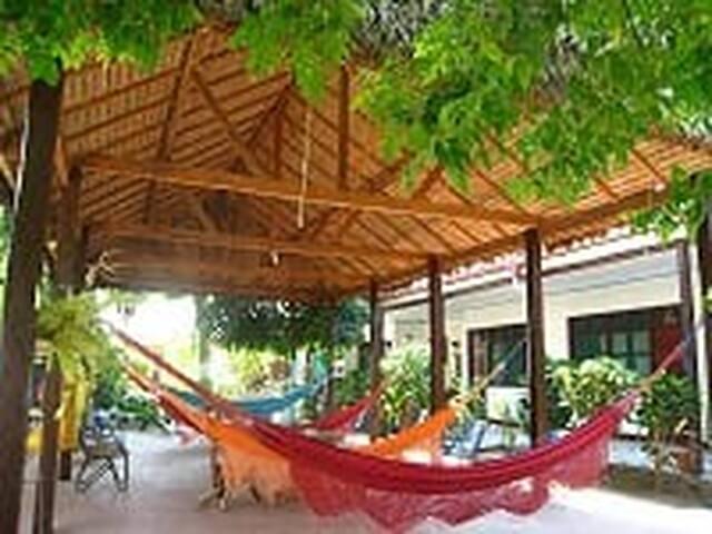 HABITACION INDIVIDUAL - Rurrenabaque - ที่พักพร้อมอาหารเช้า