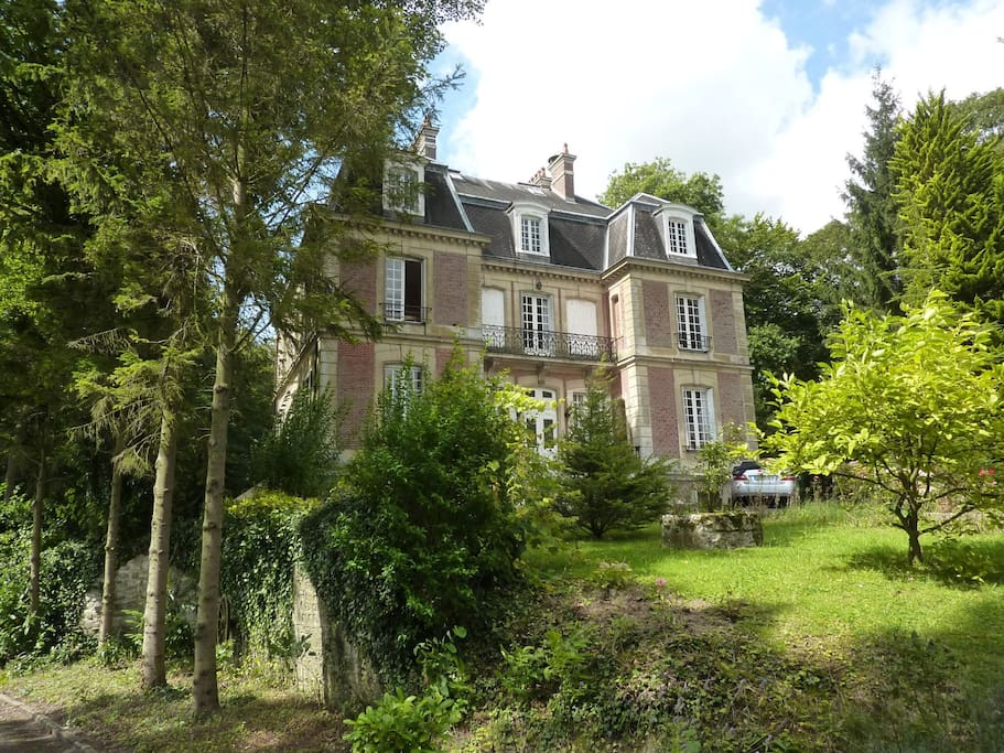 Le castelet ensemble des chambres bed and breakfasts for Haute avesnes
