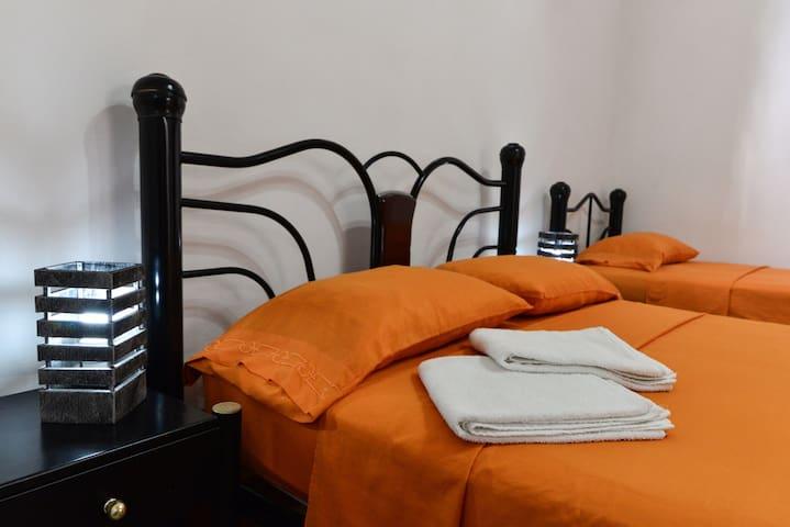 Hostal Belvédère * Room 2 + Wi-Fi *