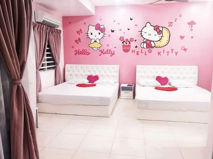 (四人房)HelloKitty主题的独立房间二楼主人房有两张KingSizeDoubleBed