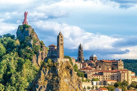 séjour au puy en velay en cité historique - Le Puy-en-Velay - Apartament