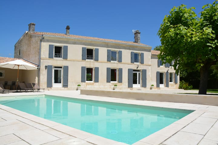 Luxurious 4* villa w/ heated pool - Saint-Georges-du-Bois - Hus