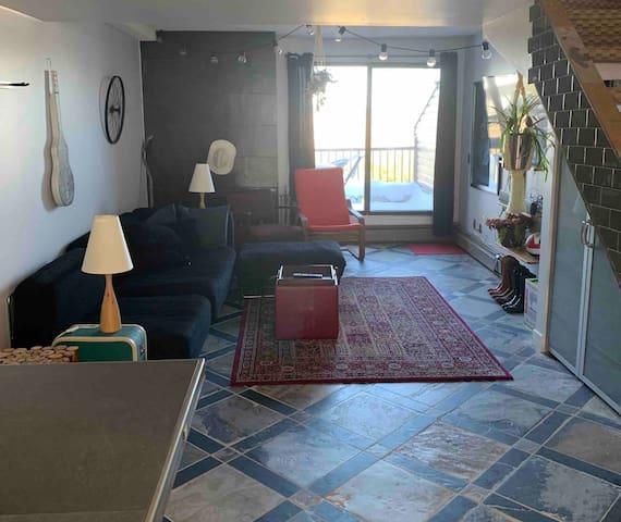 Entire home: 1 bedroom Calgary loft