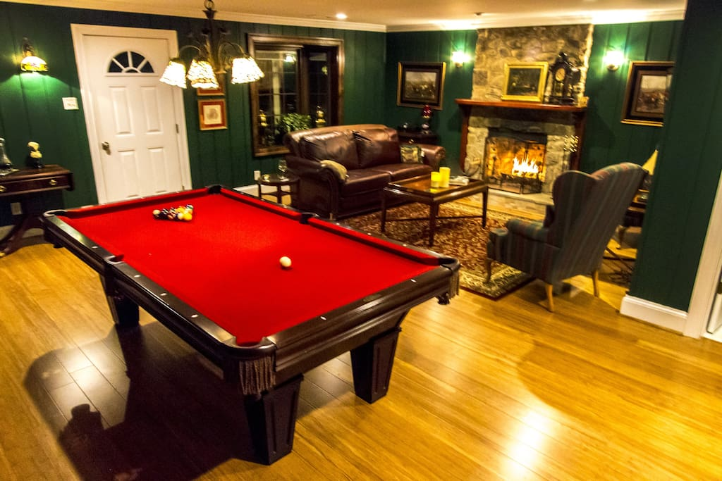 Pool Table. Fireplace.  LCD Television.