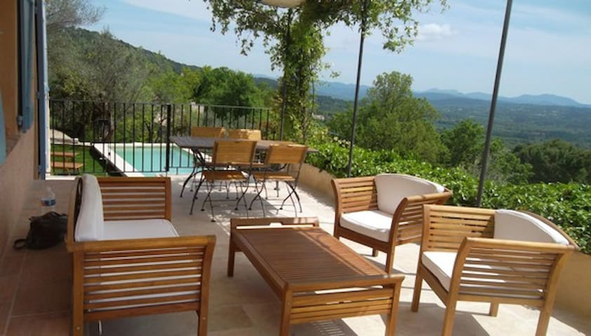 Provence summer and winter holiday rental + pool