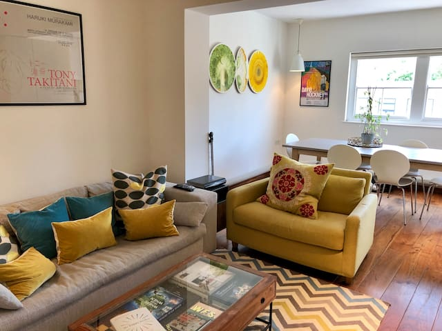 Colourful and bright flat with two double bedrooms