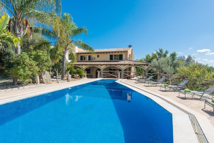 CAS CARRO (SA TEULERA) - Amazing villa with private pool and beautiful views to the mountains in Selva Free WiFi