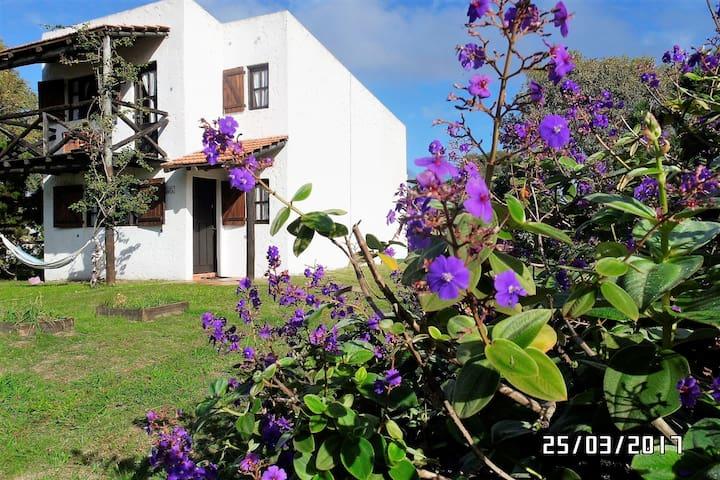Casa Villa Canela, con vista al mar, ideal familia