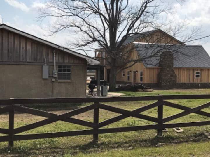 Wood Duck Room - The Barn at Twin Oaks Lodge