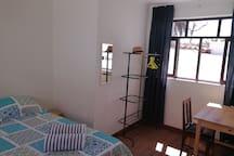 General view of double room 2/ Vista general de habitación matrimonial 2