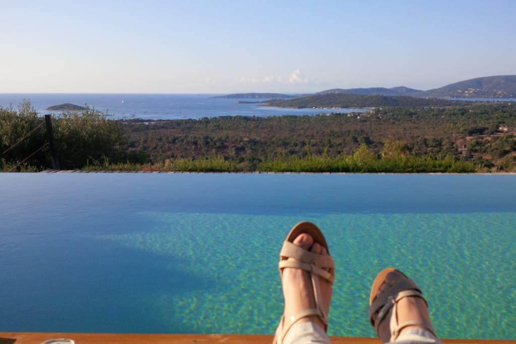 Voilà, ça, c'est la vraie idée des vacances! There, this is the real idea of vacation!
