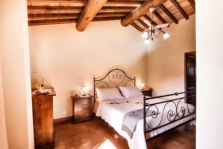 La Pieve - Private Room - The Vine!