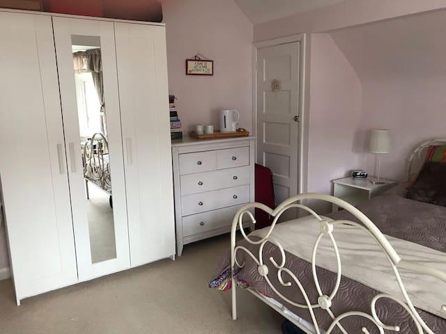 Cosy Double room in quiet setting