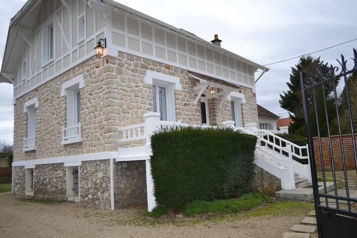 La Villa, near Disneyland Paris - Vallée Village