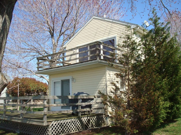 The Bayside Cottage  ST-603-ONE