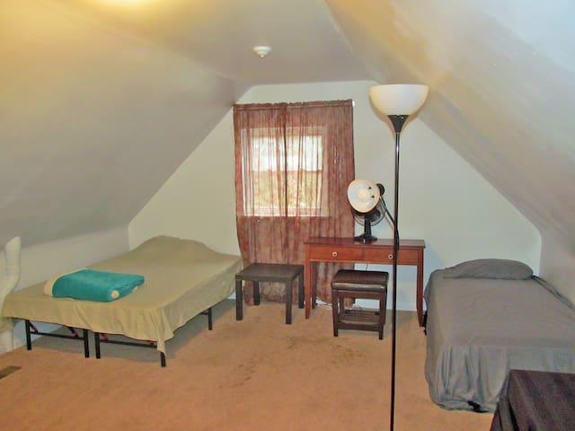 Two beds, internet, doorlock, all the conveniences