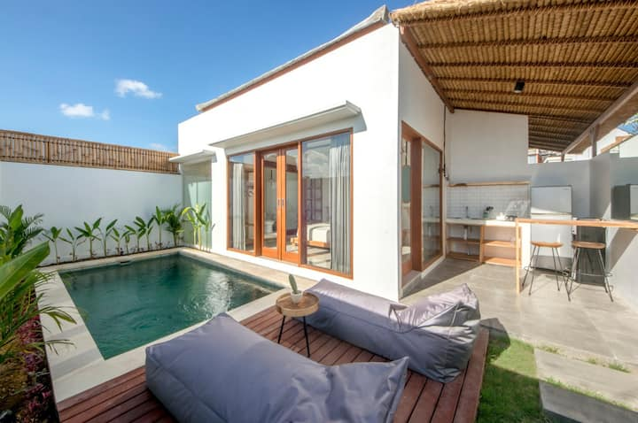 cozy private villa with private pool in canggu. 6