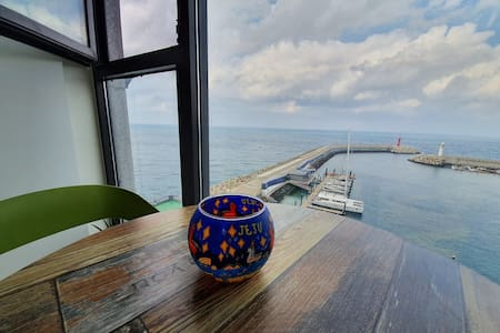 '제주소랑'#1 공항10분거리에 위치한 통유리 시원한 ocean View!!!와우!!!!