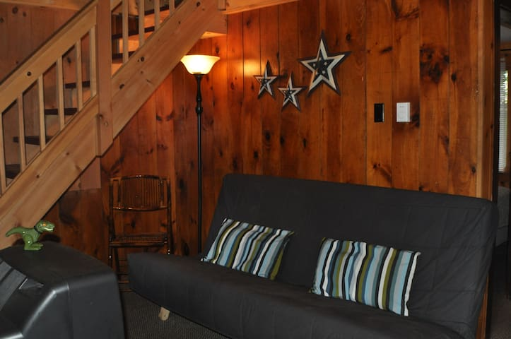 Pine Grove Cottages in LG Village - 2BR, ADK Style
