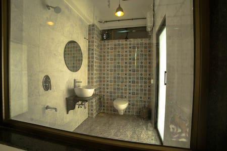 Cozy Comfy Picturesque Rooms Near to beach-Alibag