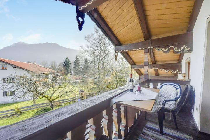 """Gemütliche Ferienwohnung """"Beim Kreuzfelder Zwiesel"""" mit WLAN, Garten, Balkon und Bergblick; Parkplätze vorhanden"""