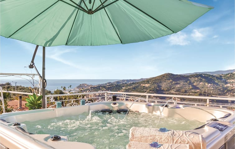 Holiday cottage with 2 bedrooms on 92m² in Imperia -IM-