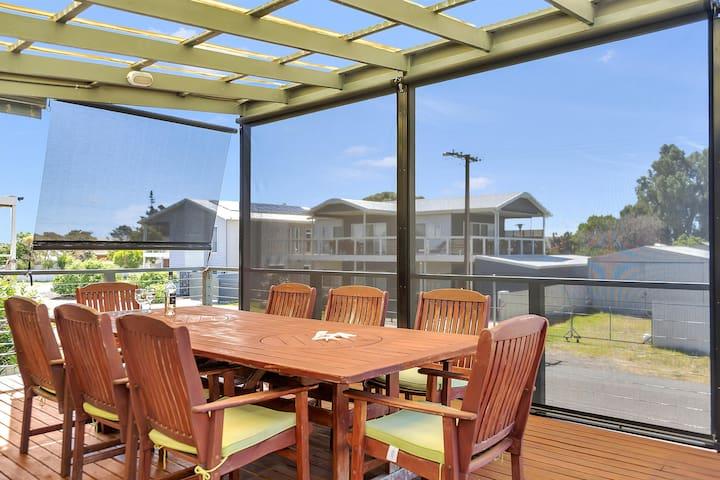 Green Reef Beach House