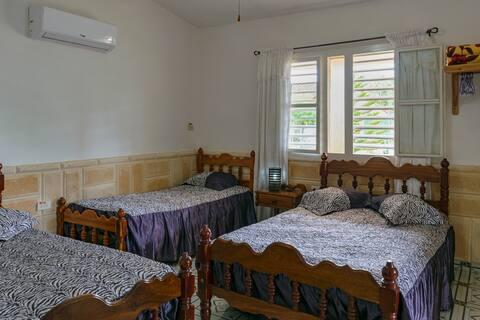 Casa Maykel el Morito + WIFI + ROOM 1 - FOR 5 pax