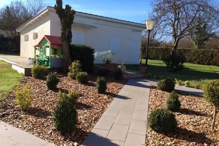 Maison des coteaux de Garonne, 15km de Bordeaux