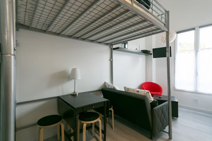 Sunny Peaceful Whole Flat w Parking - Meudon - Byt