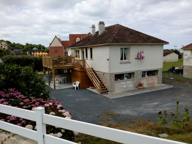 CHEZ  MARILOU - Saint-Laurent-sur-Mer - Bed & Breakfast