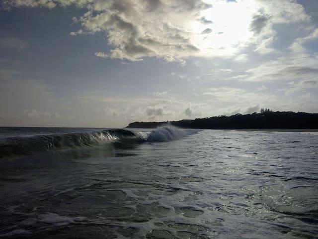 Shore Break Shack on Home Beach, Straddie