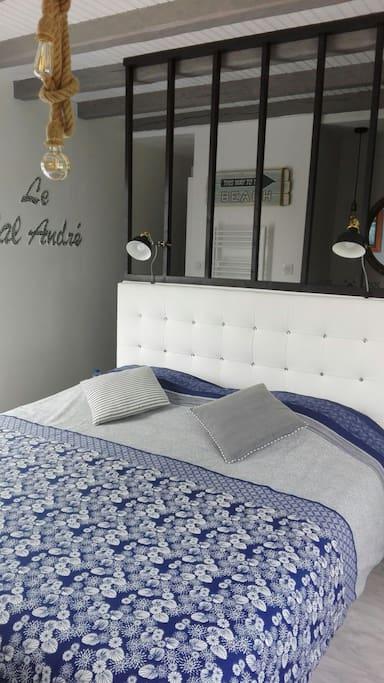 la chambre avec sont lit King Size (180x200)