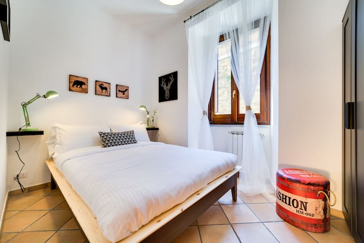 Modern & Charming 3 bed flat in central location - Roma - Daire