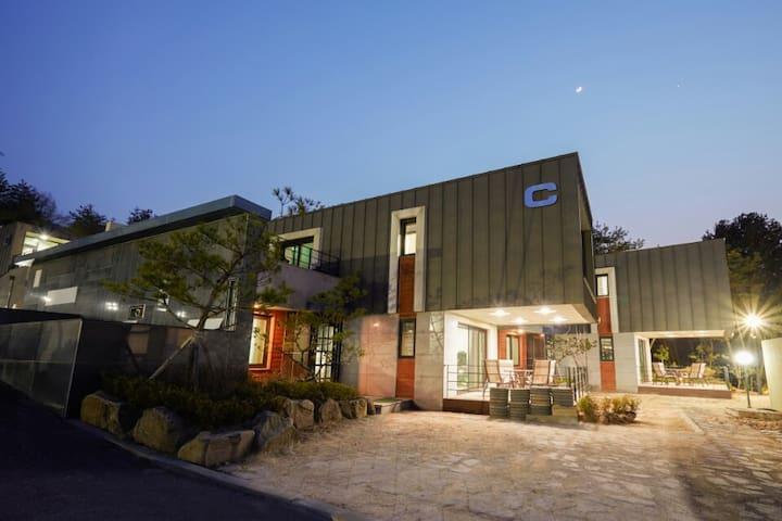 Luxury Private Town-House C동202호 - Bongpyeong-myeon, Pyeongchang-gun - Pensão (Coreia)