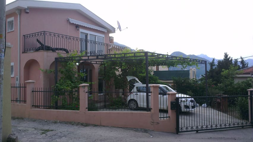 Villa OLESYA with view to sea and mountains