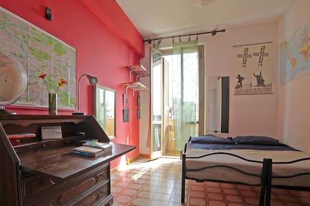 Cute & bright room in S. Giovanni!! - Rome - Apartment
