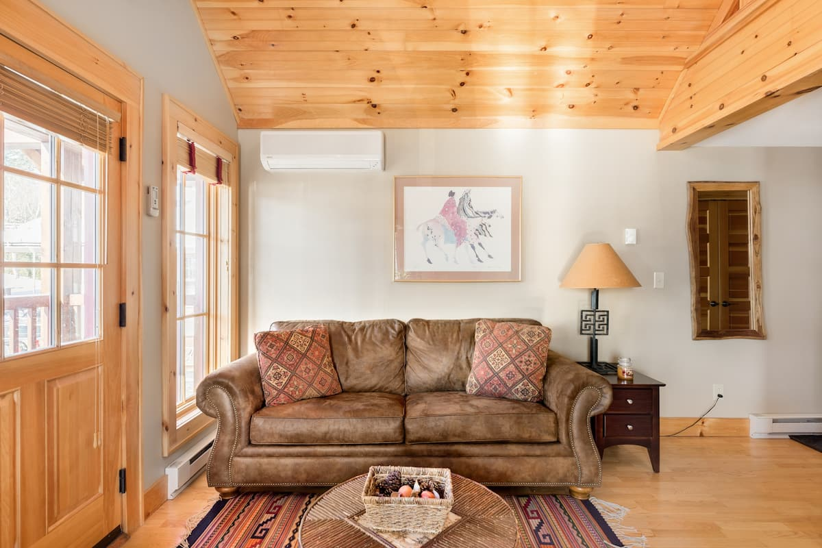 Luxury Lake Placid Village Apartment with Loft