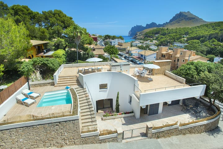 Sea Views Pure Mediterranean Villa Estrella de Mar with Roof Top Pool