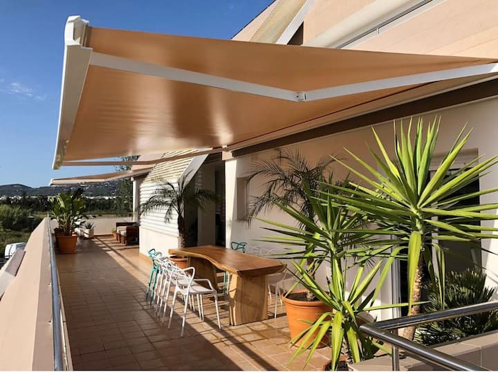 Big terrace in the heart of Marina Botafoch